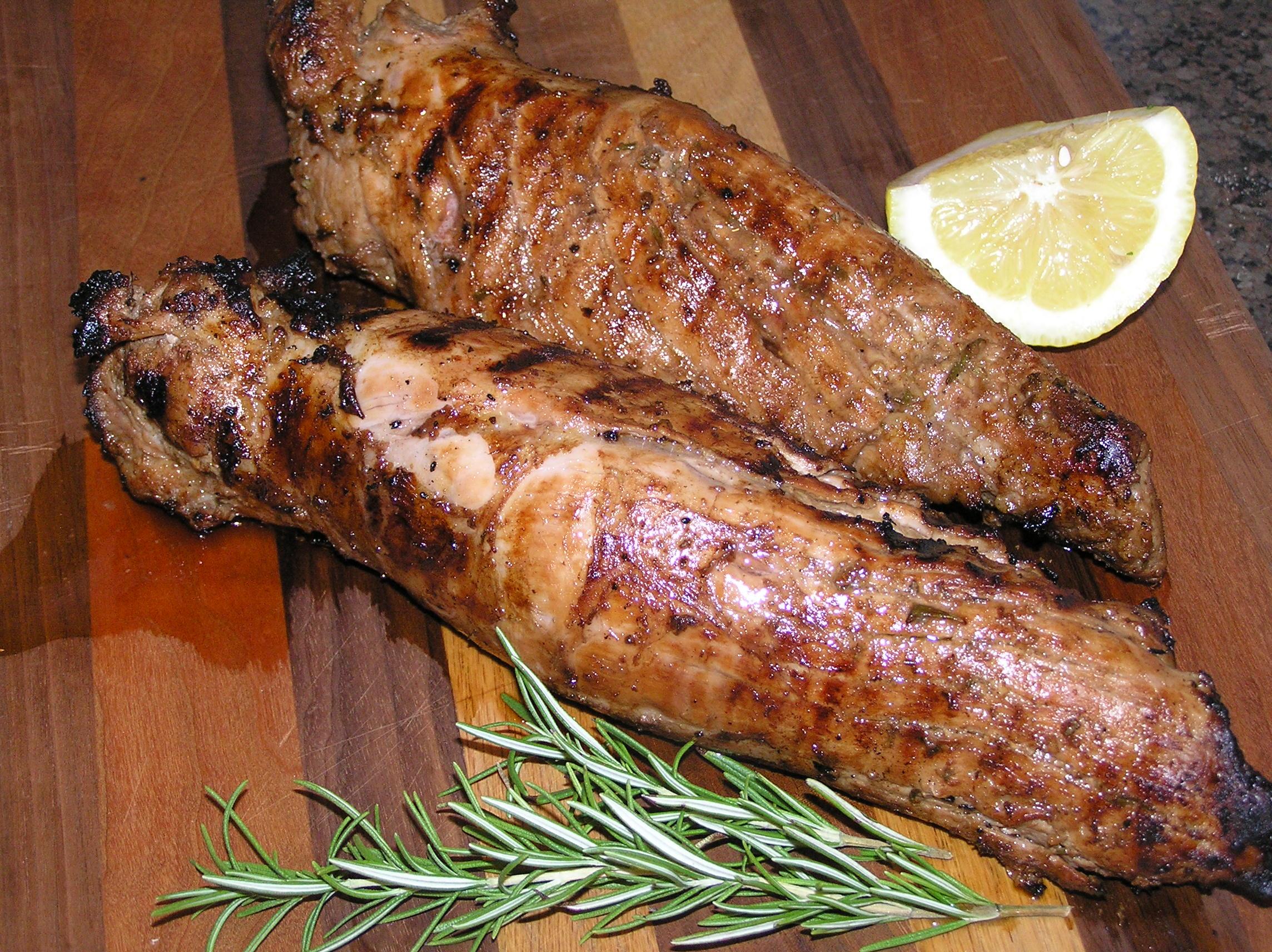 Rosemary Balsamic Garlic Marinated Grilled Pork Tenderloin ...