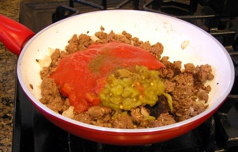 Ground Beef Ready to Mix with Sauce and Spices