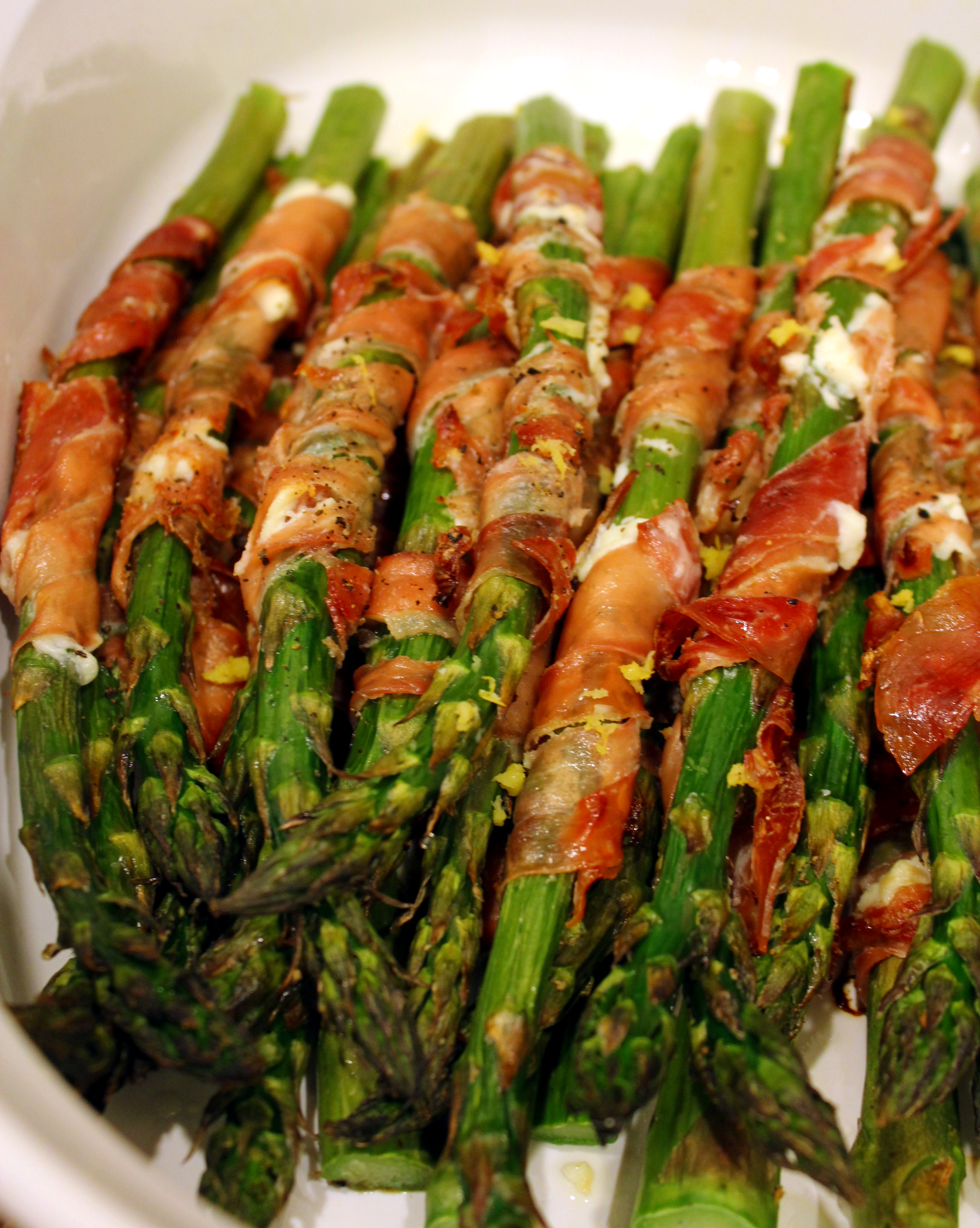 Broiled Prosciutto-Wrapped Asparagus Spears Recipe — Dishmaps