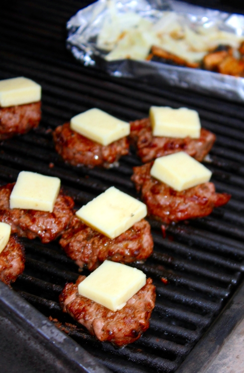 Burger Sliders with Monterrey Jack Cheese
