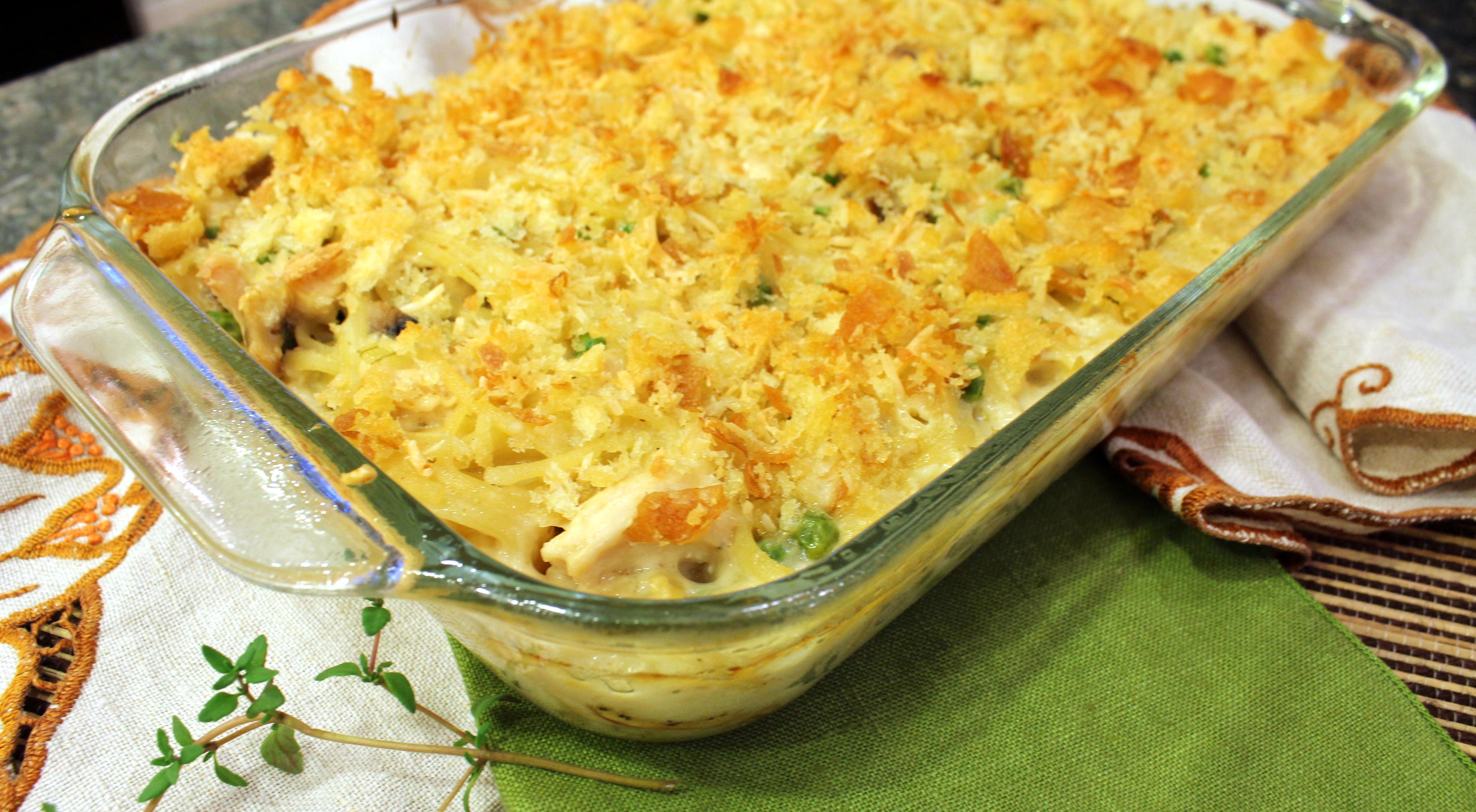 cheesy chicken tetrazzini casserole